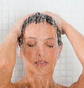 mandi,wanita mandi,segar