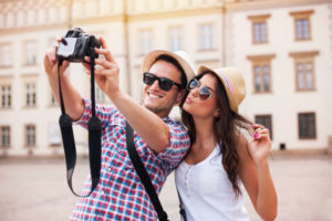 Traveling Bersama Pasangan