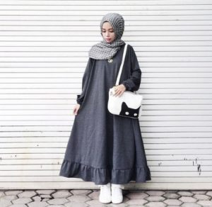 Dress Model 1
