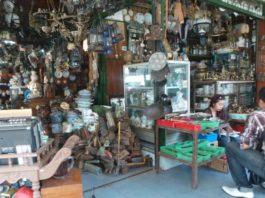 wisata unik, barang antik, pasar triwindu