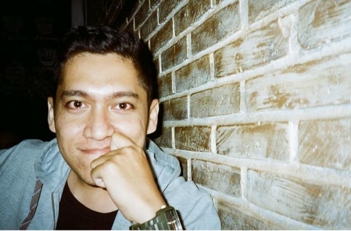 Bernard Batubara, penulis buku 'Mobil Bekas dan Kisah-Kisah dalam Putaran'