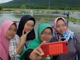 selfie di lokasi bencana